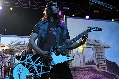 Pierce the Veil's Vic Fuentes Looks Back on 2012 (VIDEO ...