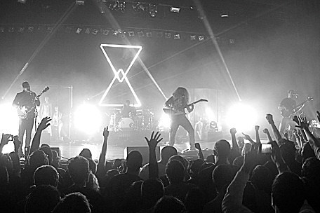 coheed and cambria in los angeles prog rock giants deliver intricately beautiful night of. Black Bedroom Furniture Sets. Home Design Ideas